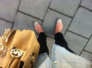 Mina fötter ser rätt weird ut, men de är nog bara ovana vid att ha ballerinas.