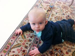 Först lite tveksam på mattan...