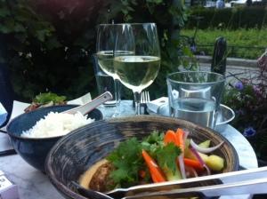 Middag och en pava vinho verde är inte fy skam.