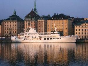 Bild på hela båten, tagen från hemsidan ovan. Helt otrolig.
