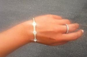 Ibland köpte jag även matchande armband till ringen.