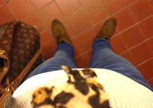 Hade riktigt höstiga kläder på mig idag, till och med jacka. Krafset högst upp är en ganska onajs leopardsjal.