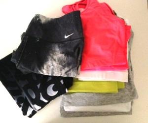Härlig hög med rena träningskläder. Surar lite för att jag har en uppsättning på jobbet också, men den får jag tvätta i veckan.