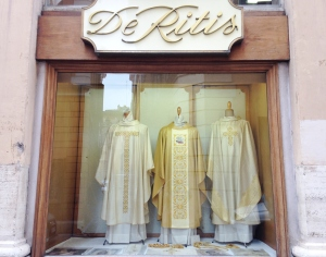 Det senaste inom katolskt mode.