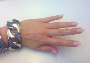Så himla snyggt, tycker fingrarna ser så mycket längre ut.