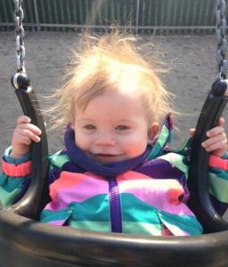 Håret! Det nöjda leendet! De små händerna!