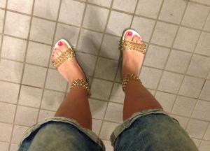 Sedan hade jag sandalpremiär. Skoskav dirr såklart.
