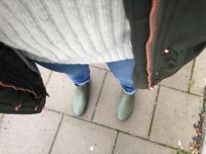 Kände mig väldigt redig i grå olle, gummistövletter och regntät varm jacka