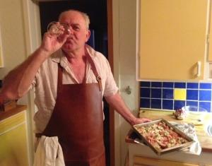Min pappa, ett glas Barolo och en form havskräftor. Mycket, mycket bra saker allihopa.