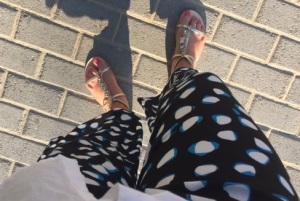 Sandaler från förra året, men ursköna Rodebjerbyxor från i år.